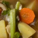 Resepi Sup Sayur Campur Ala Kedai Tomyam, Rasa Masam & Pedas Memang Terliur!